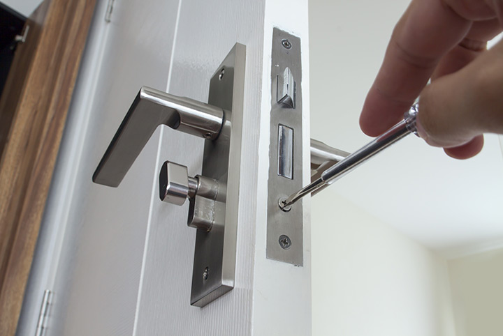 Our local locksmiths are able to repair and install door locks for properties in Streatham Hill and the local area.
